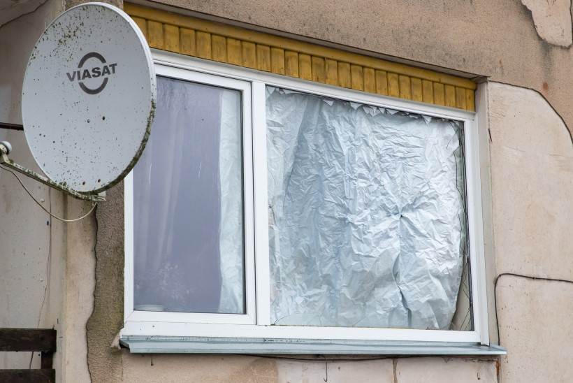 USKUMATU VEDAMINE: aken lendas kildudeks, plahvatuse ajal köögis olnud mees ei saanud kriimugi!