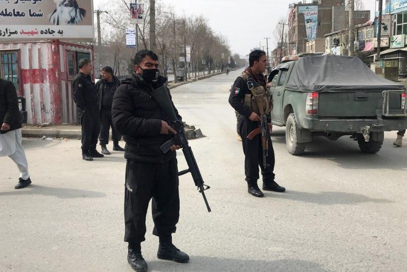 Kabulis rünnati mälestusüritust, kus viibisid mitmed Afganistani tipp-poliitikud. Hukkus ligi 30 inimest