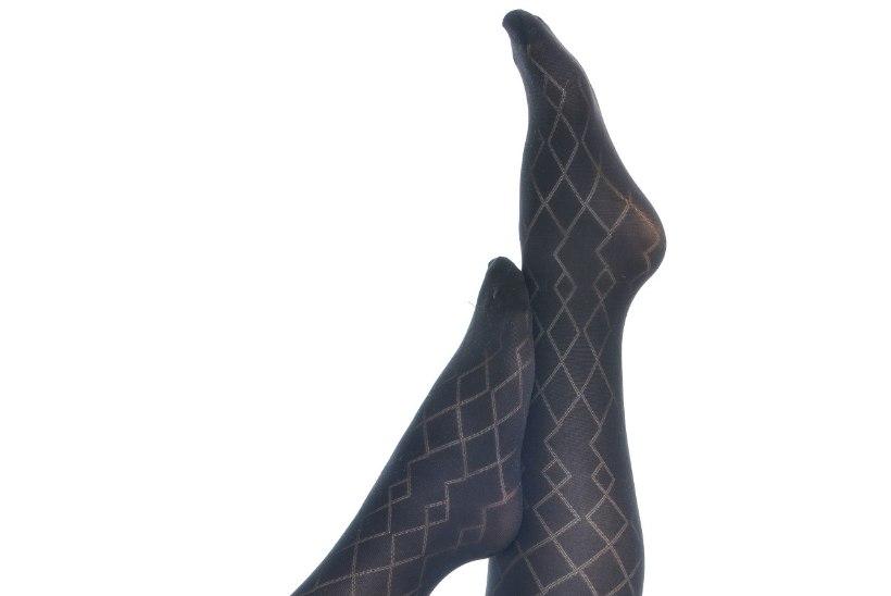 NAISTELEHT TESTIB | Kas trimmivad sukkpüksid tõepoolest aitavad volte peita?