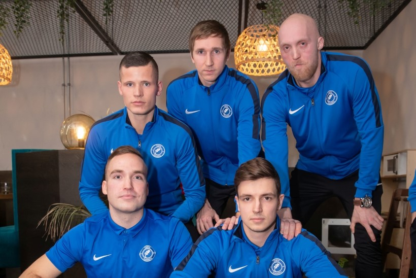 TÖÖ EI SEGA MÄNGU: Eesti jalgpalli kõrgliigas ajavad palli taga nii tippjuhid, juristid kui ka IT-mehed