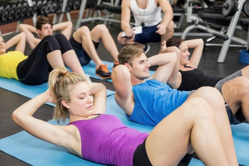 Kuus head harjutust, mis aitavad kõhulihaseid treenida