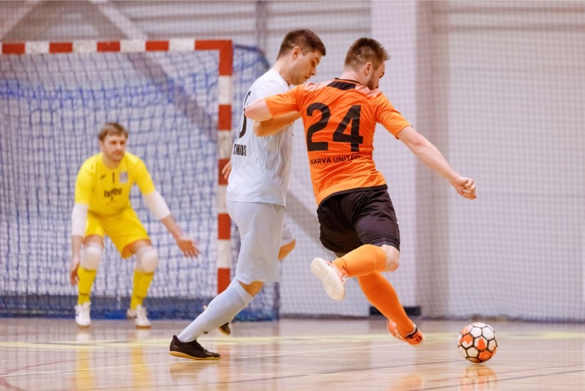 JÄRELEVAADATAV | Eesti saalijalgpalli meistriliiga esimese poolfinaali võitis kindlalt Sillamäe võistkond