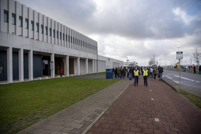 NELI SÜÜALUST: Ukraina president tervitas MH17 kohtuprotsessi algust Hollandis