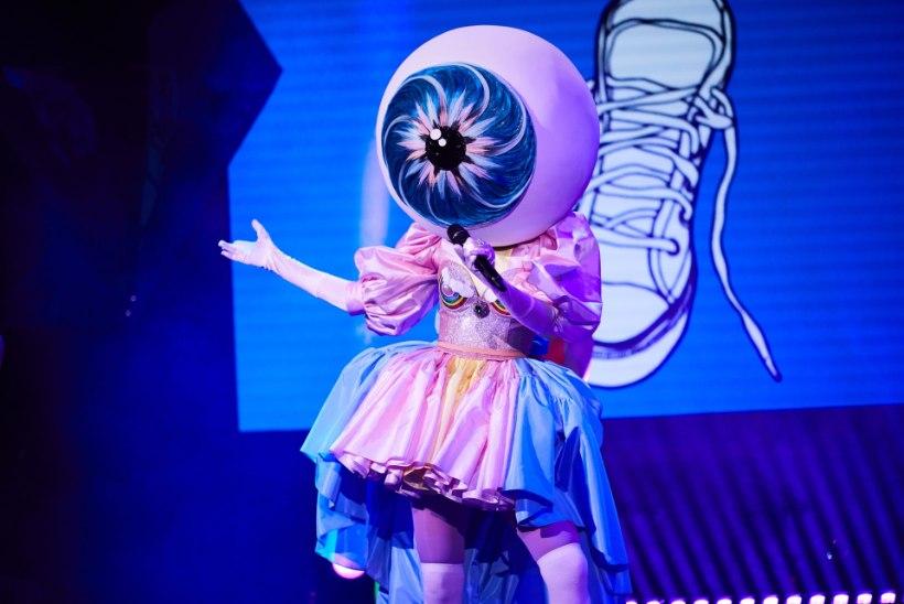 """Saates """"Maskis laulja"""" paljastus Silmamuna maski alt kaunis blond näitlejanna!"""