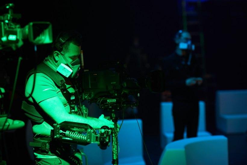 """""""Maskis laulja"""" jätkub ilma publikuta: stuudios on nii vähe inimesi kui vähegi võimalik"""