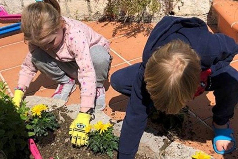 Monaco vürsti kaksikud panevad armsatel kevadpiltidel näpud mulda