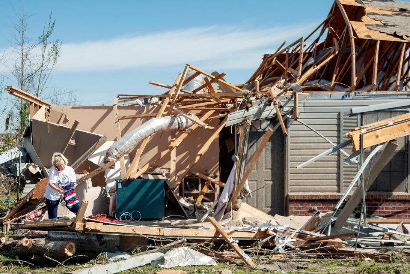 TOSIN HUKKUNUT: USA lõunaosariikides möllavad tormid põhjustavad karantiinis viibijatele tõsist peavalu