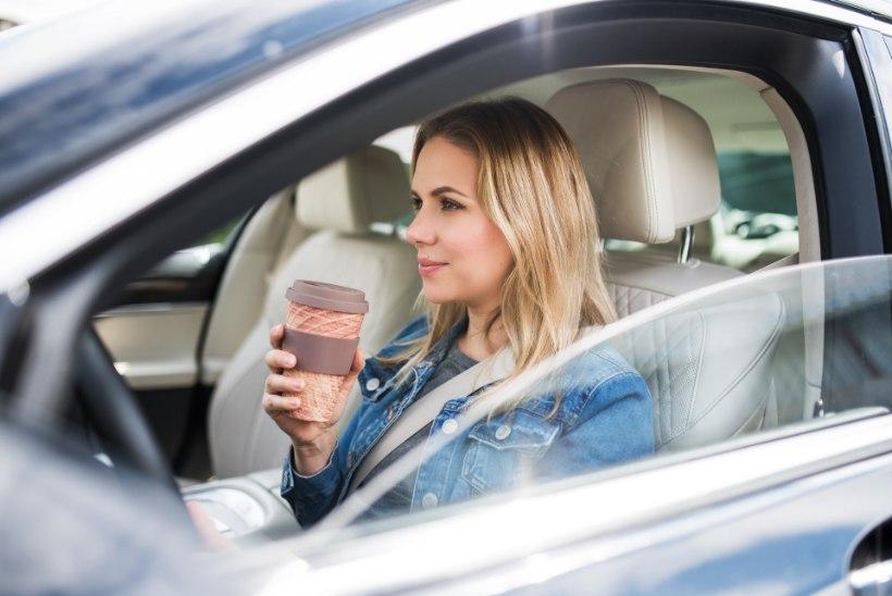 KINDLUSTA TARGALT | Kas kasko hüvitab autos ümber läinud kohvi plekkide eemaldamise?