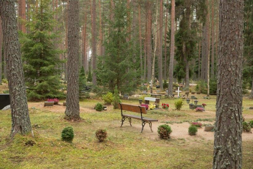 Märtsis suri Eestis 1405 inimest, neist koroonaviiruse tõttu viis