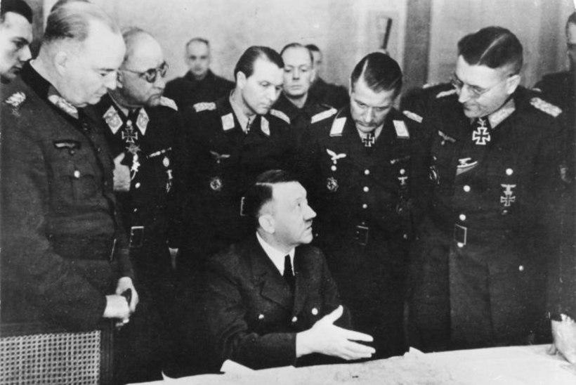 MINEVIKUHETK | 22. aprill: raevunud Hitler tunnistas avalikult sõja kaotamist