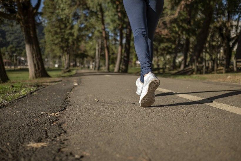 KOROONAHAIGUS KURNAS TÄIESTI ÄRA: elutoast kööki minek tundus nagu maratoni läbimine