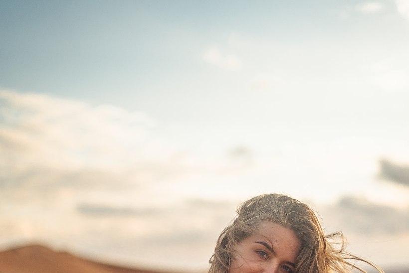 Kuidas kriisiajal vaimset tervist hoida? Laulja Helen Adamson: olen vältinud uudiseid, sest need tekitavad ärevust