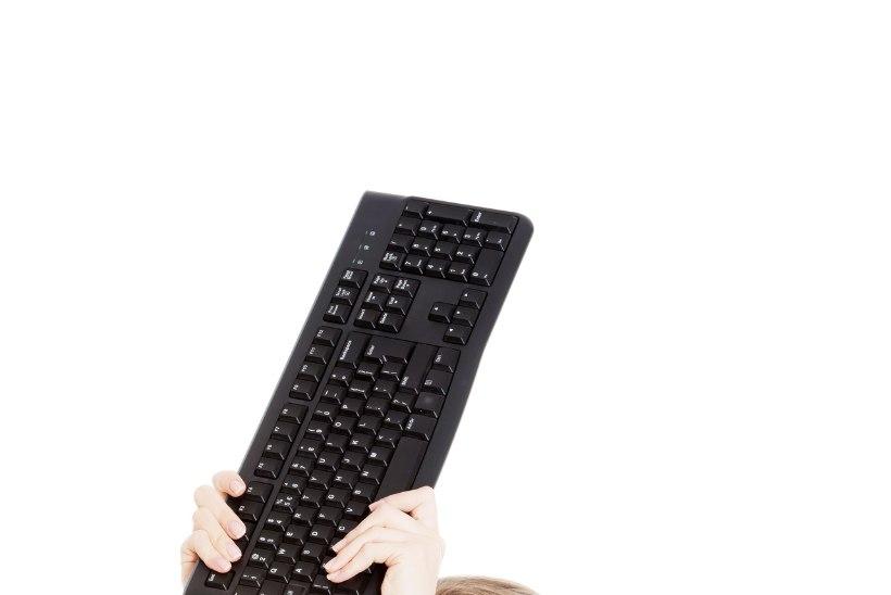 Pastakas versus klaviatuur – käsitsi kirjutamine teeb meid targemaks, tervemaks ja paremaks