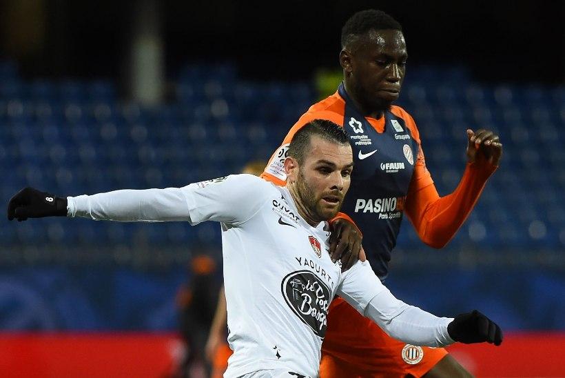 Koroonaviiruse sümptomitega Prantsusmaa kõrgliiga jalgpallur viibib intensiivravis