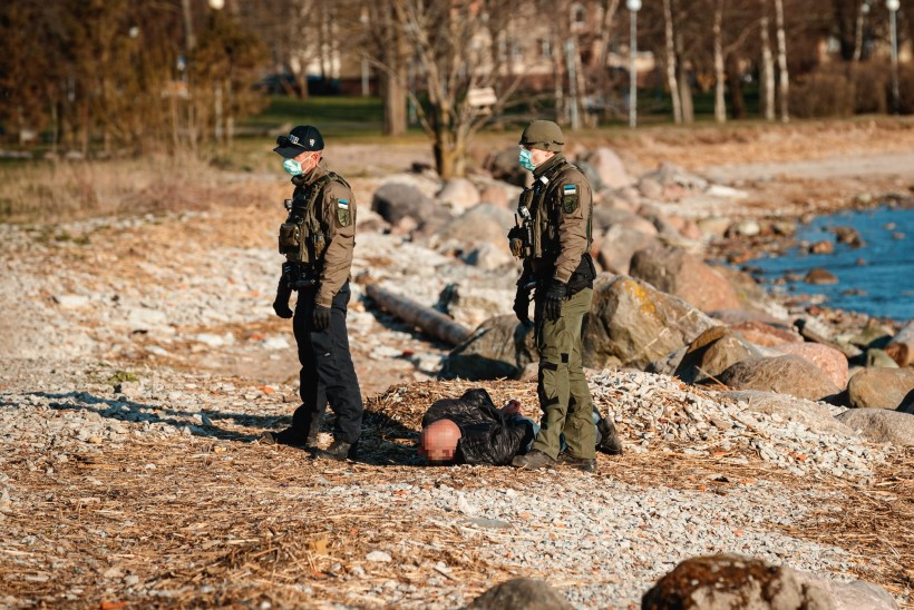 GALERII | Politsei viis eriolukorra rikkuja käeraudades kainenema