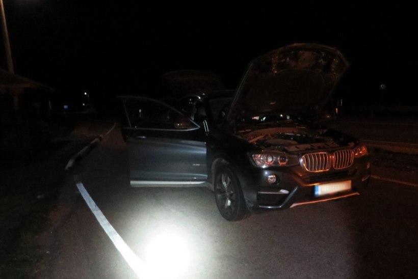 Politsei peatas Valgas piirikontrolli vältinud BMW siiliga