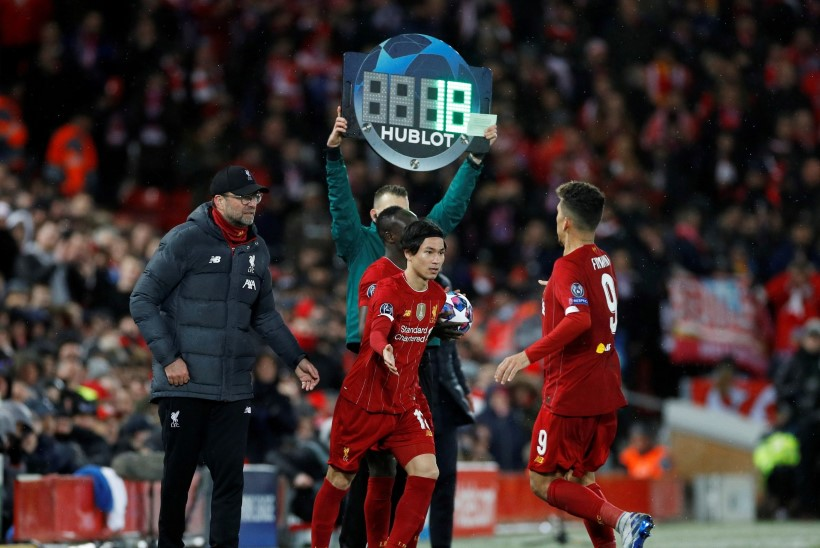 FIFA ettepanek: muudame jalgpallimängudelel lubatud vahetuste arvu