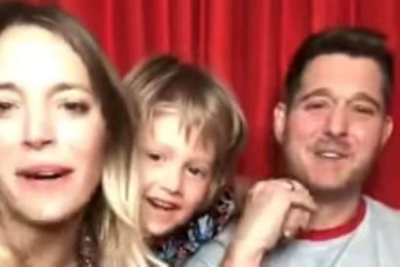 VIDEO    Michael Bublé näitas vähktõve seljatanud poega
