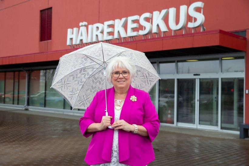 VIDEOINTERVJUU   Marina Kaljurand vastab häirekeskuses kriisikõnedele: inimesed on hädas nii tujukate kasside kui ka kooliülesannete lahendamisega