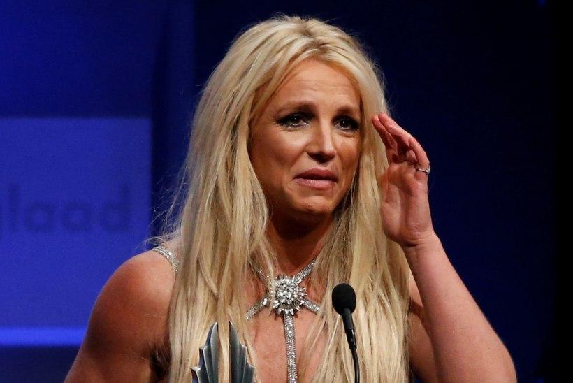 Britney Spears põletas oma koduse jõusaali maha