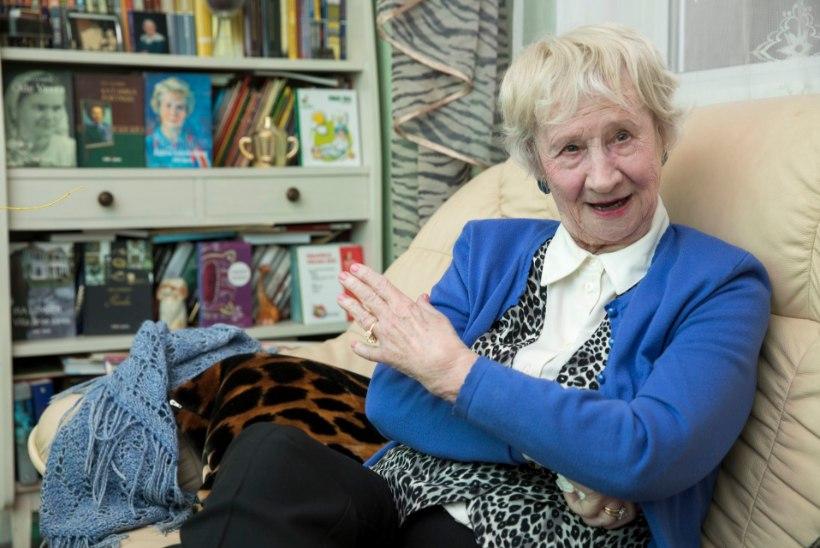 93aastane kirjanik Ira Lember on üle elanud sarlakiteepideemia ja istunud koolerakarantiinis. Nüüd siis koroona...