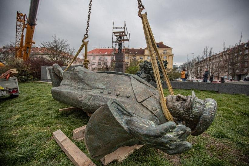 PEATAGE FAŠISM! Äärmuslased ründasid Tšehhi saatkonda Moskvas