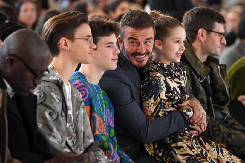 Victoria Beckham ajas ühe poja peaaegu kiilaks ja värvis teise juuksed roosaks