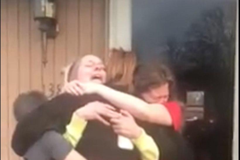 VIDEO   Pisarakiskuja! Kuus nädalat eesliinil töötanud ema kohtub taas oma lastega