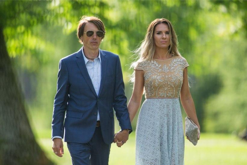 UUS TREND   Eesti kuulsused annavad lahkuminekust teada sotsiaalmeedia vahendusel