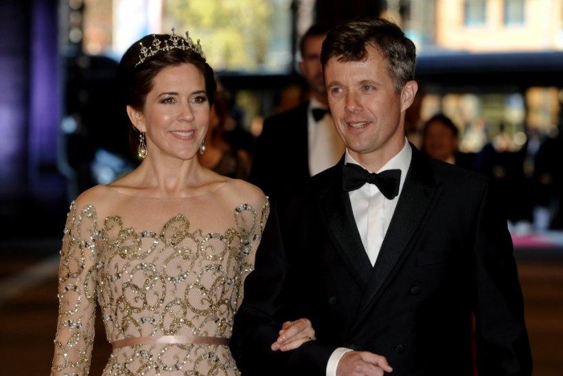 Taani kroonprints ja ta naine avaldasid ootamatult argise selfi