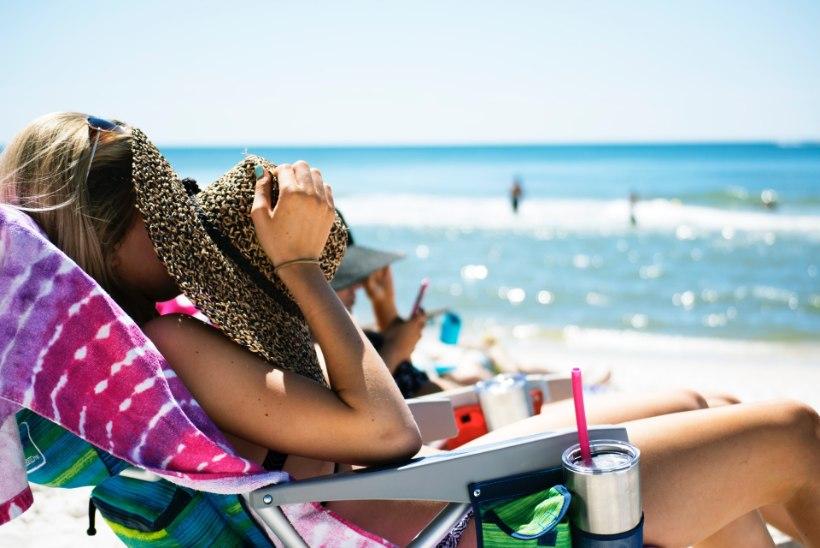 Kaitse ennast! Blondid juuksed ja sinisilmsus tähendavad melanoomi seisukohast riskigruppi kuulumist