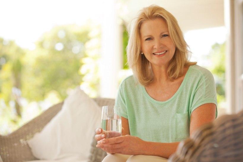 TOITUMISEKSPERT SELGITAB: miks on oluline juua vett ja kes peaks seda hoopis piirama?