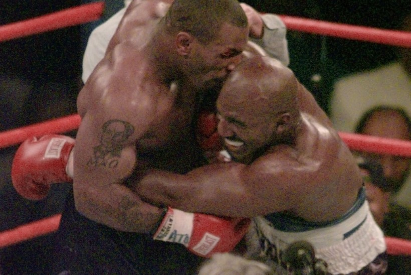VIDEO | PÖÖRASED VETERANID: Tyson ja Holyfield hakkavad vanu arveid klaarima!