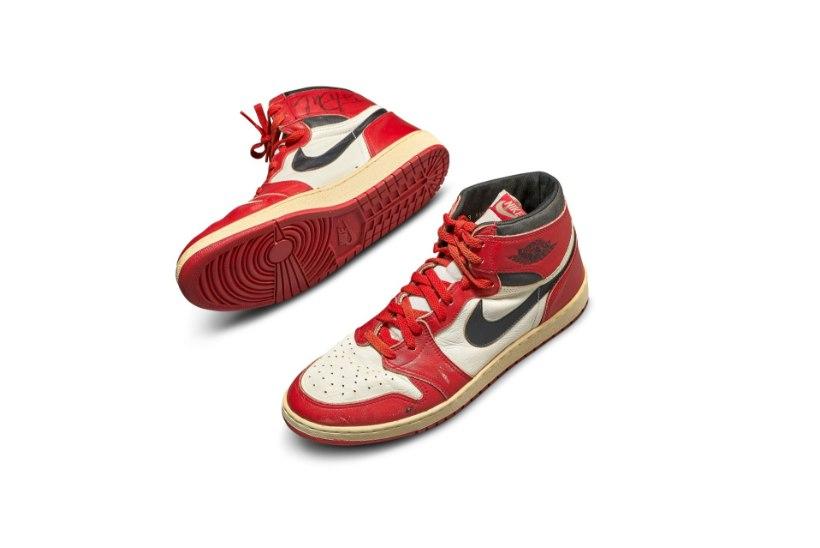 UUS REKORD: vaata, kui kallilt müüdi Michael Jordani tossud