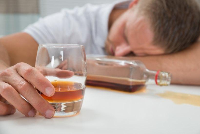"""POOL AASTAT KAINENA! Pereisa: """"Püüdsin pingete pudelisse uputamisest hoiduda, kuni mõistsin, et tahtejõust üksi ei piisa, on vaja abi..."""""""