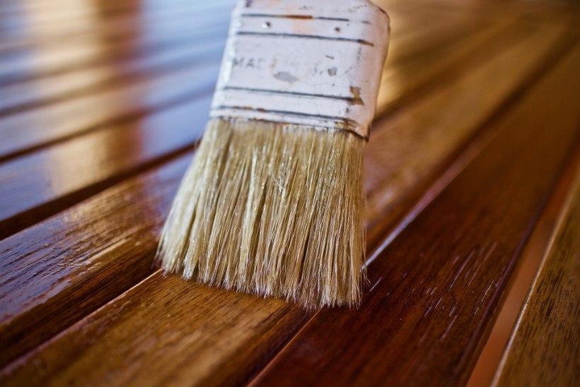 Õige aeg terrass läikima lüüa! Praktilisi nippe puidu õlitamiseks