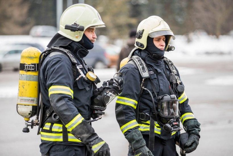 Tartus hukkus korterelamu tulekahjus inimene, süttimise põhjus on veel teadmata