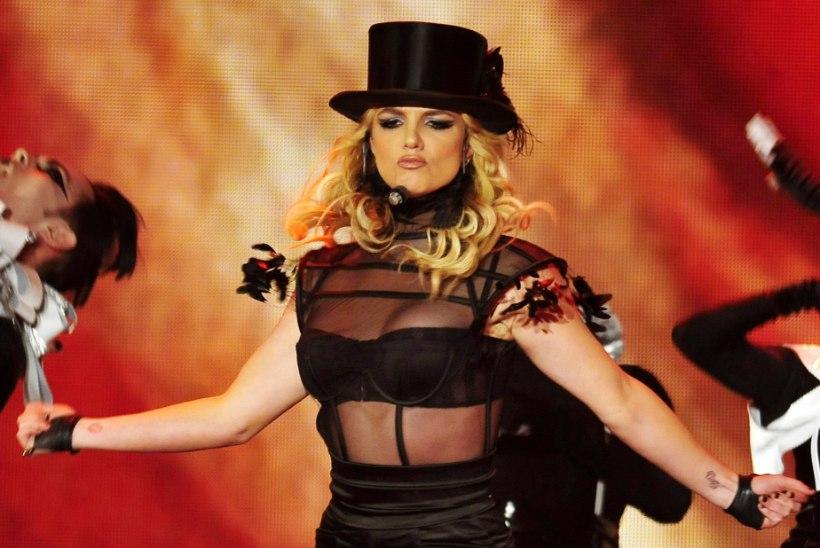 Britney Spears põrmustas nii The Beatlesi kui ka Led Zeppelini