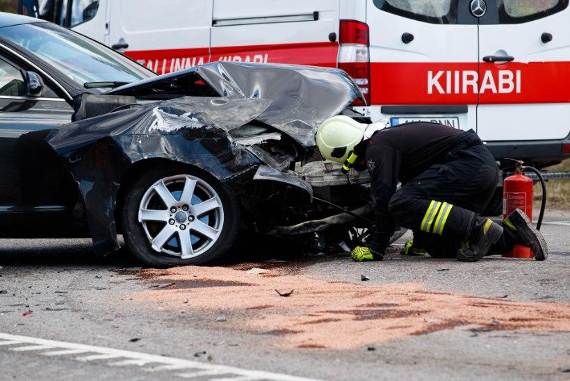 ILLUSIOON: NÜÜD ON KÕIK LUBATUD! Eriolukorra ajal tabati roolist eriti palju kriminaalses joobes juhte