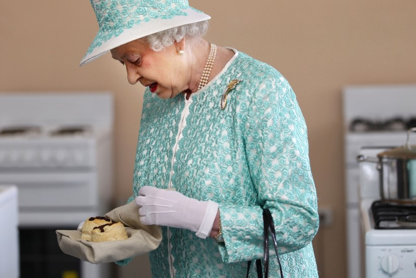 KUNINGANNA LEMMIKMAIUS: Elizabeth II pagari õpetlik video, kuidas neid teha
