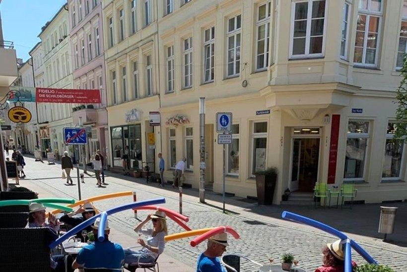 FOTO | Saksamaal leidis kohvik koroonaviiruse leviku takistamiseks huvitava lahenduse