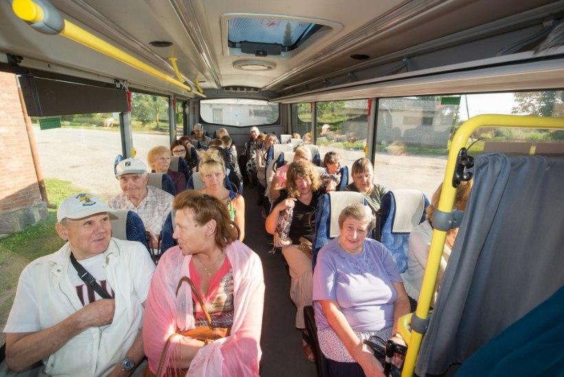 ÕIGUSKANTSLERI HÄMMING: lapsi veetakse endiselt ohtlikes bussides. Miks seadusemuudatus viibib?