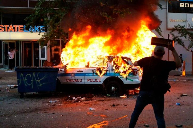 USA PÕLEB! Jätkuvad viimaste aastakümnete suurimad rahutused. Politseiniku tapetud mehe perekond suhtleb avalikult politseiülemaga