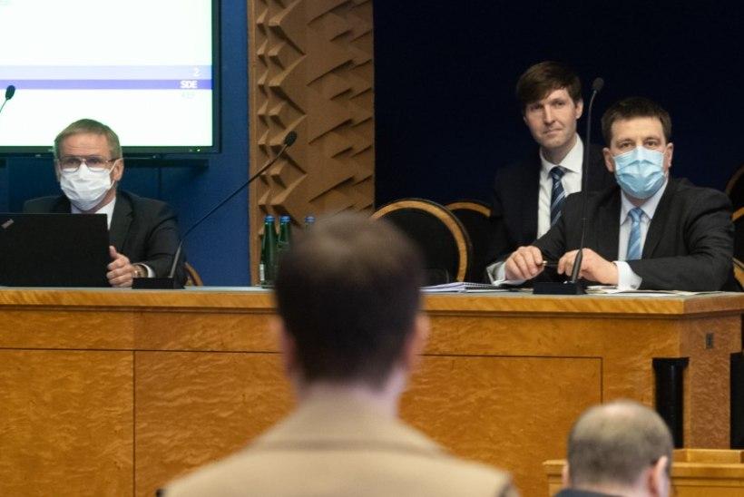 Ratas küsis Helmelt, kas EKRE tahab Rail Balticu pärast koalitsioonilepet ümber teha