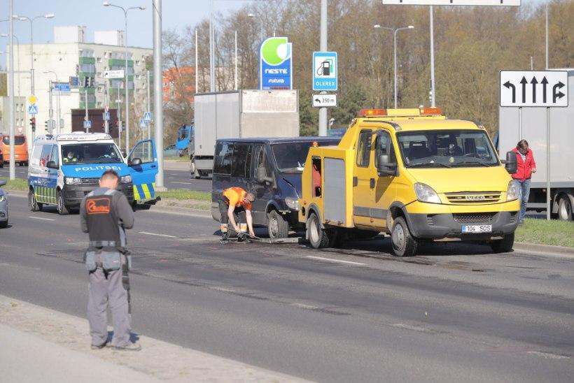 FOTOD | Tallinnas Tammsaare teel oli suur ahelavarii
