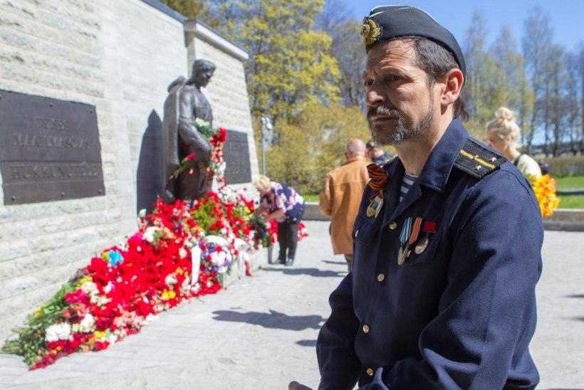 Politsei hinnangul külastas pronkssõdurit umbes 5000 inimest