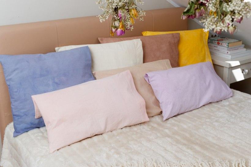 KAVAL NIPP: taimedega värvimine päästab luitunud voodipesu