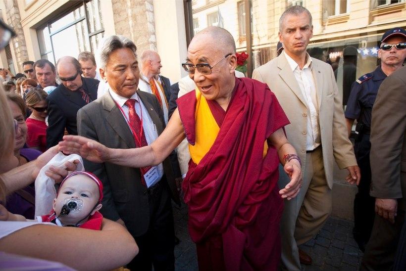 Dalai-laama annab välja esimese albumi