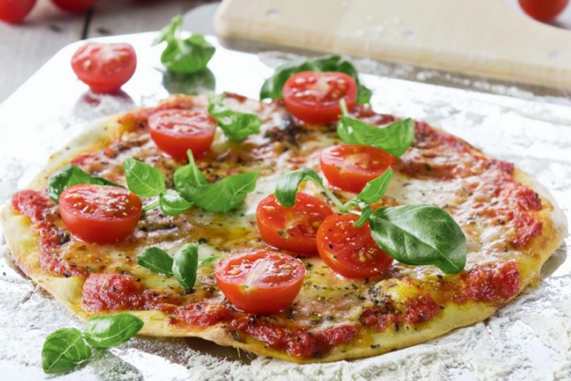 HEAD PITSA SÜNNIPÄEVA! Täna 131 aastat tagasi sündis esimene kaasaegne pitsa – kuninganna Margherita auks
