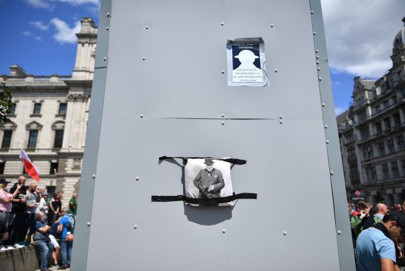 Londoni meeleavaldajad võitlevad rassist Winston Churchilliga